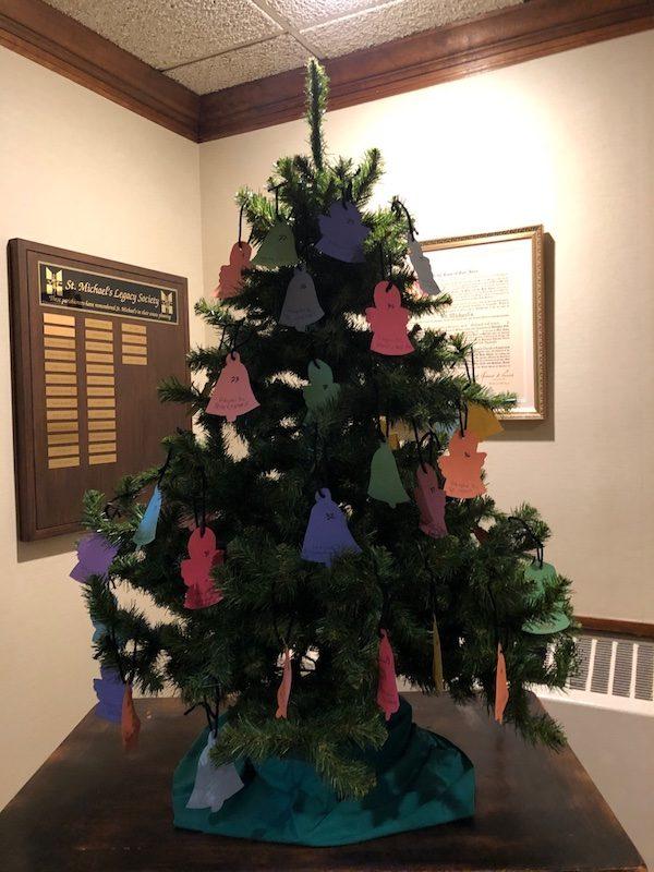 Mariners-Inn-tree